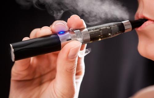 ¿Es seguro el cigarrillo electrónico para dejar de fumar?